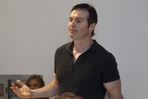 Mario Furlan, life coach, durante un corso di motivazione