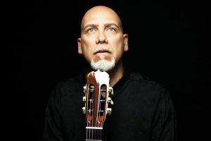 Il chitarrista Roberto Fabbri